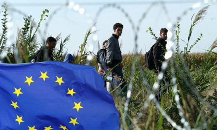 Face aux migrants, l'Europe est-elle remise en question ?