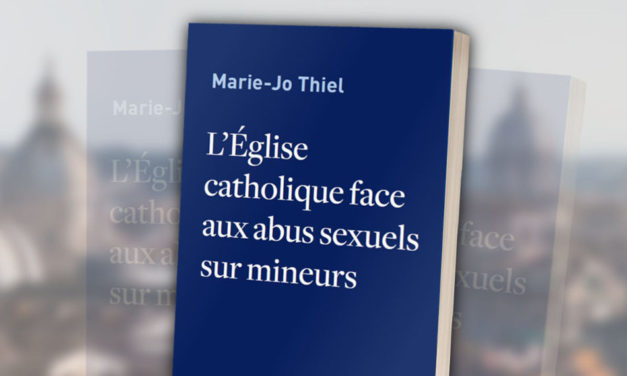 L'Église catholique face à la crise médiatique